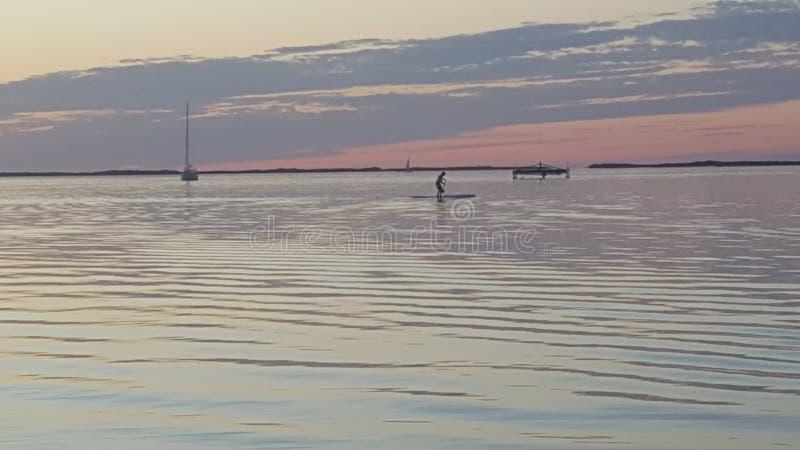 由PADDLEBOARD的佛罗里达群岛日落 图库摄影