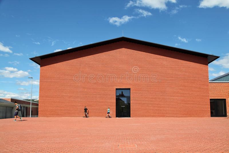 由Vitra博物馆的现代仓库在莱茵河畔魏尔 赫佐格和de德梅隆Architecture 库存照片