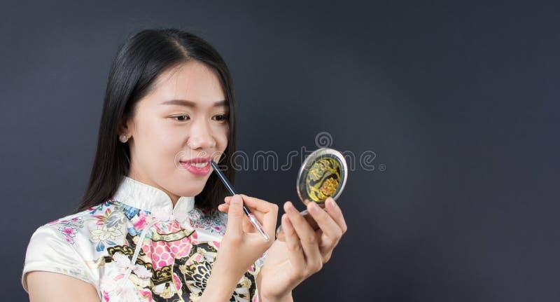 申请构成的美丽的年轻亚裔妇女 库存图片