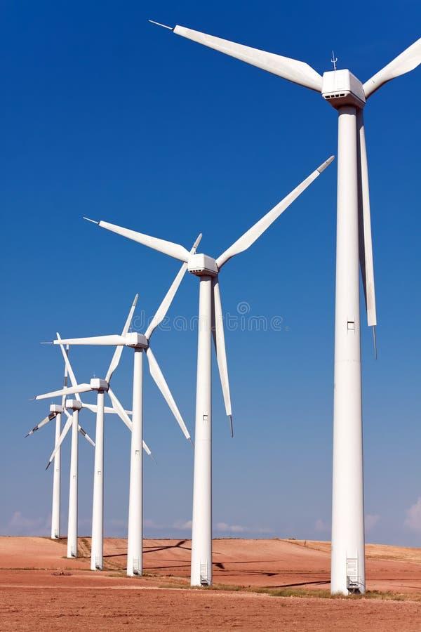 电力生产的风车 库存图片