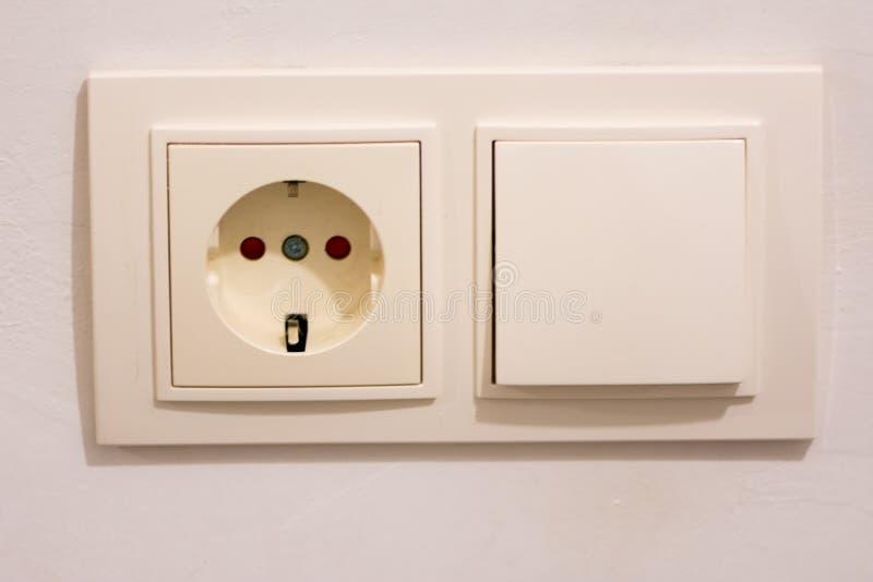 电力输出和光调转工 免版税库存照片