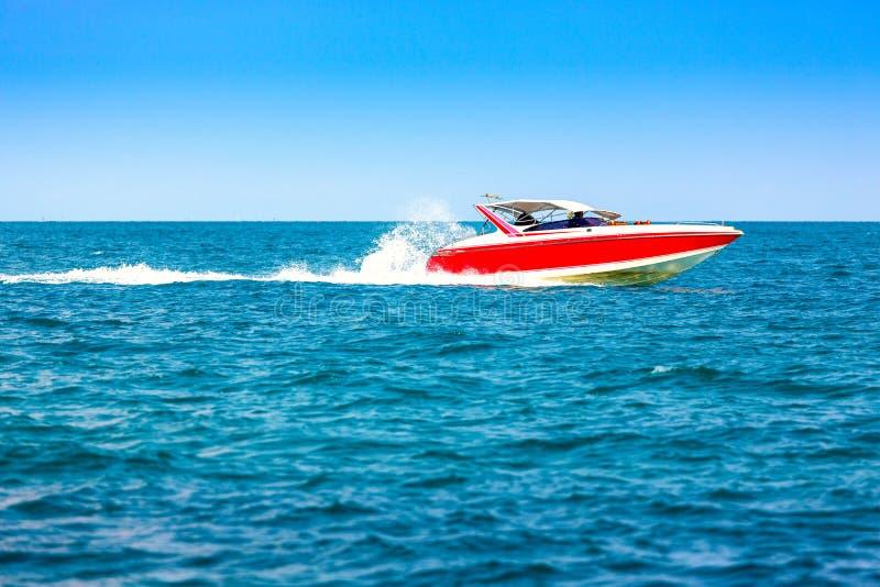 电动机转速的小船 免版税库存图片