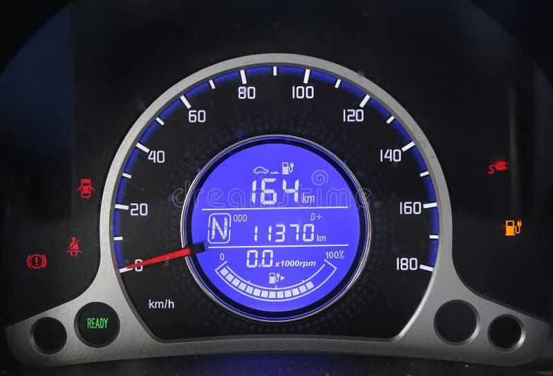 电动车仪表板充电 免版税库存照片