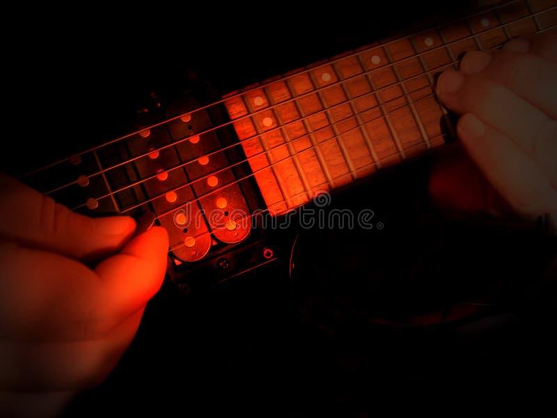 电吉他弹奏者 免版税库存照片