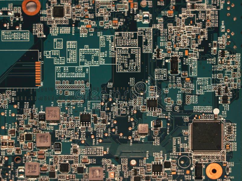 电子线路板特写镜头与计算机主板处理器的  免版税库存照片
