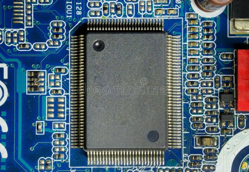 电子芯片计算机:在主板的集成电路 图库摄影