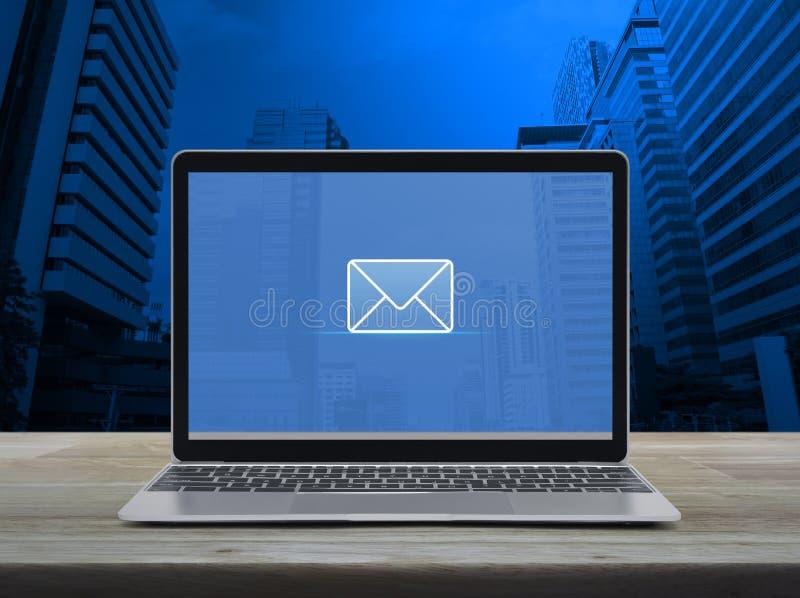 电子邮件平的象,商务联系我们概念 免版税库存图片