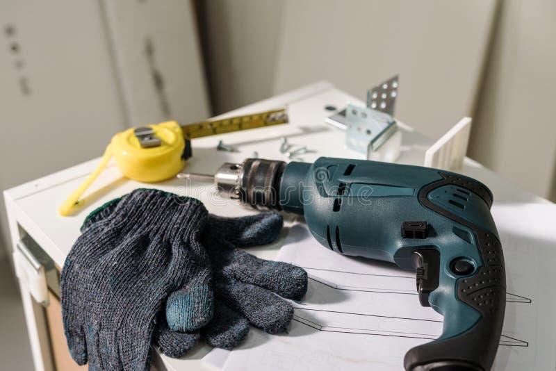 电工具和设备diy instrallation厨房 免版税库存照片