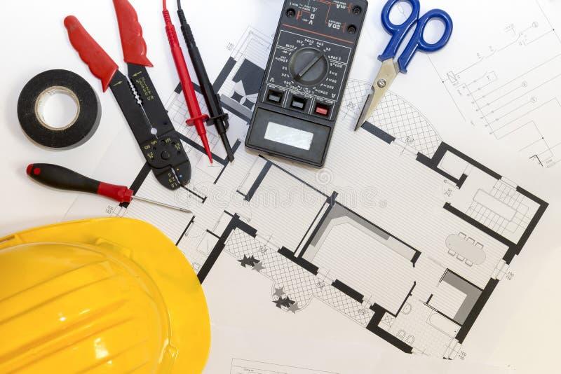 电工工具、仪器和项目设计 图库摄影