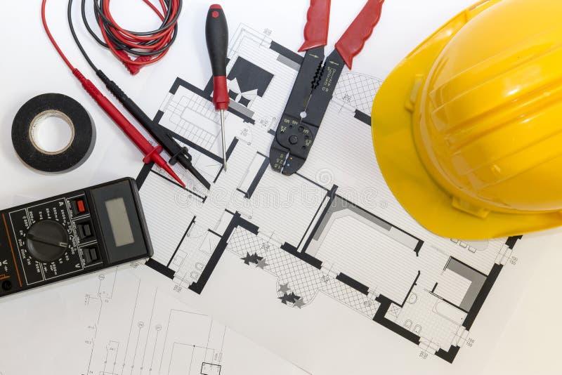 电工工具、仪器和项目设计 免版税库存图片