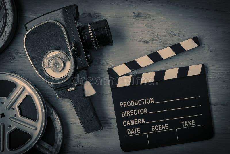 电影摄影机、电影& clapperboard 免版税库存图片