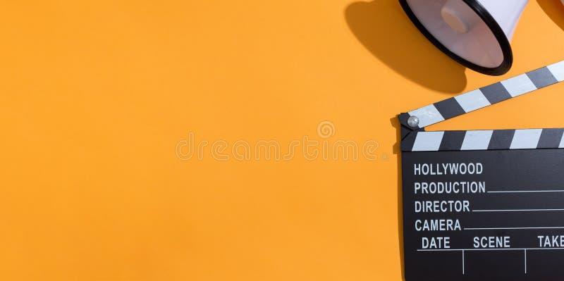 电影有扩音机的slateboard拍板 库存图片
