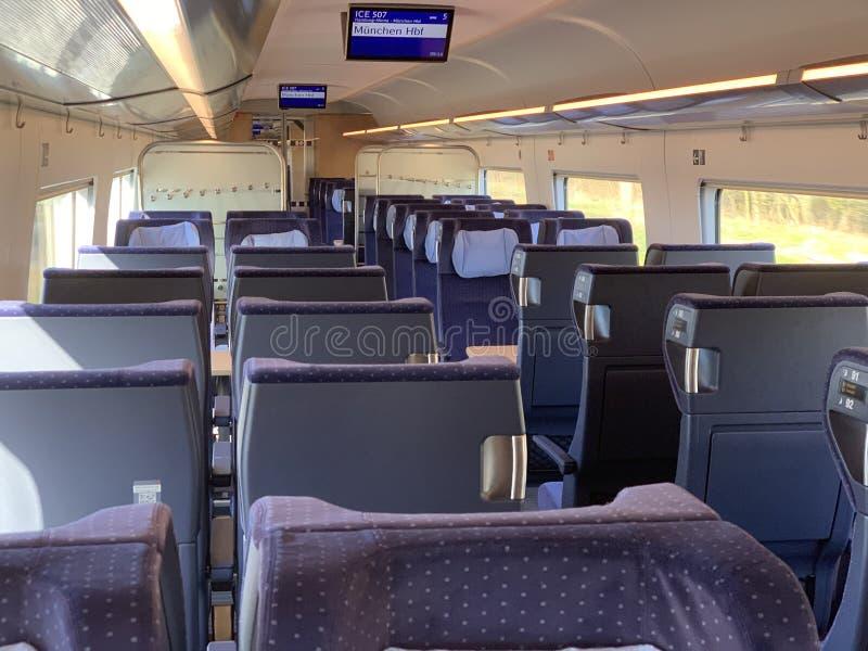电晕危机期间空载的ICE列车 免版税图库摄影