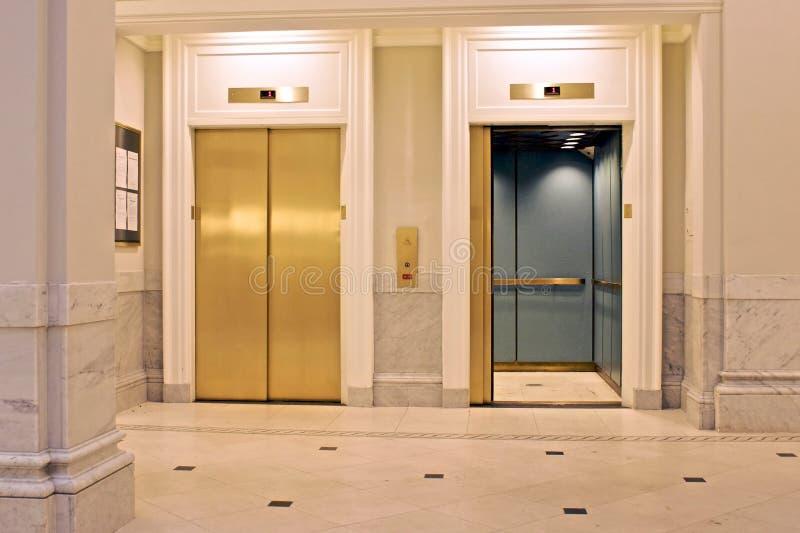 电梯孪生 库存照片