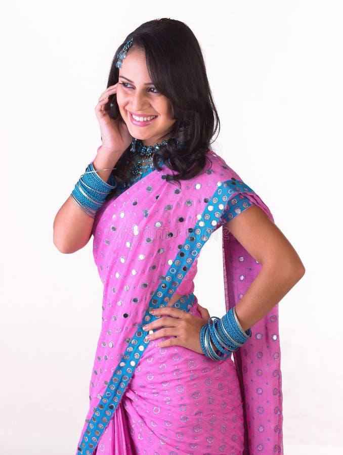 电池女孩印地安人电话 免版税库存照片
