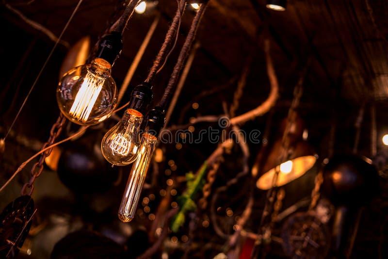 电灯泡和bokeh 免版税库存图片