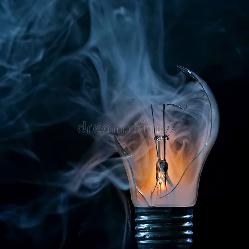 电灯泡烧坏了  库存照片