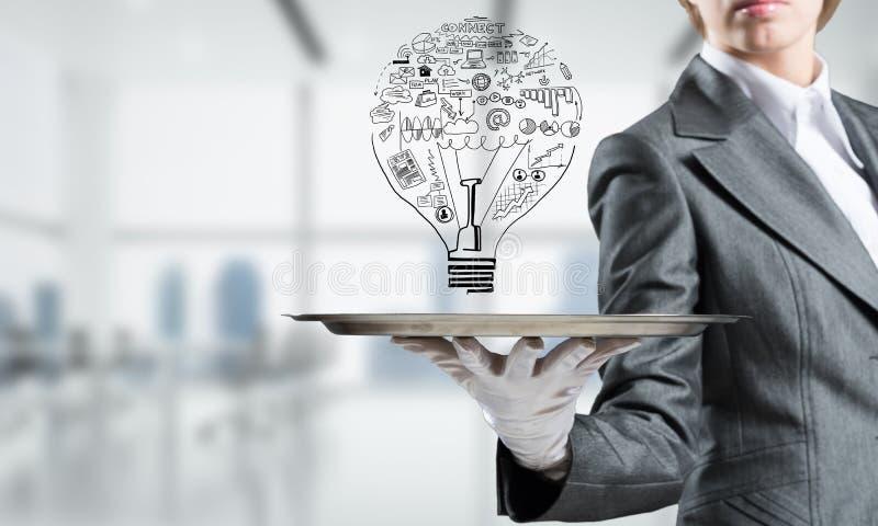 电灯泡的概念作为新的想法的标志的 免版税库存照片