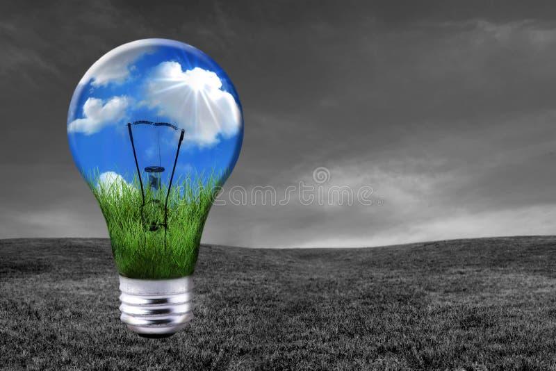 电灯泡能源绿色int光变体了解决方法 免版税库存图片