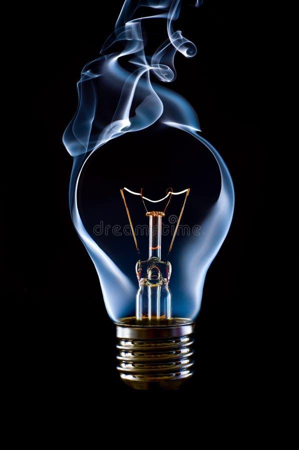 电灯泡闪亮指示 库存照片