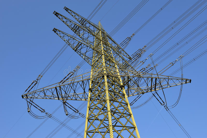 电线关闭定向塔 免版税库存图片