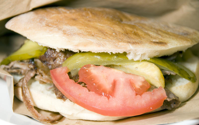 电罗经伊斯坦布尔肉pita三明治火鸡 免版税库存图片