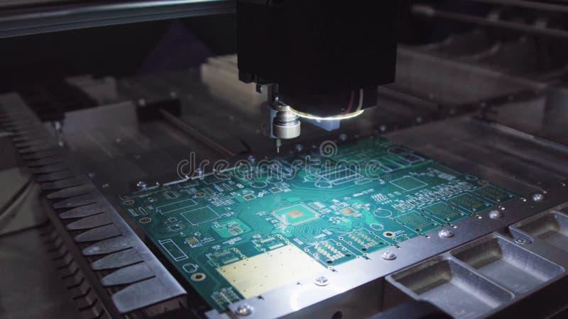 电路板生产工厂 技术进程 微集成电路生产工厂 生产电 库存照片