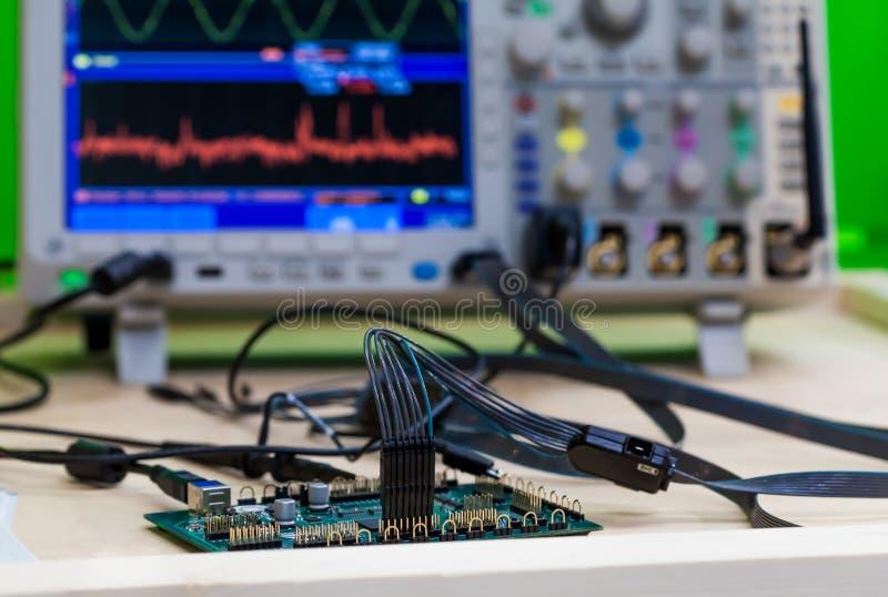 电路板诊断和修理 库存图片