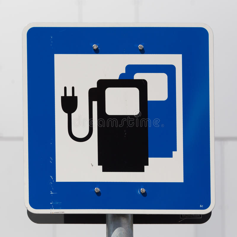 电车充电站路标 库存照片