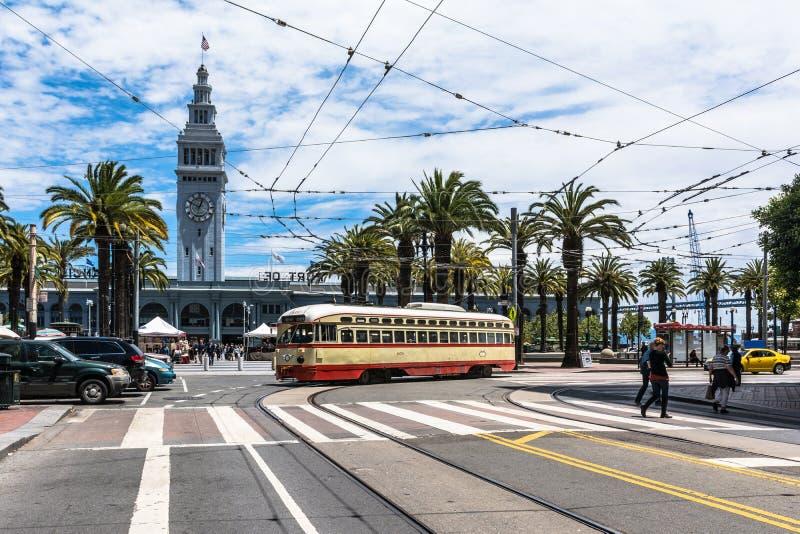 电车在旧金山,加利福尼亚 免版税库存图片