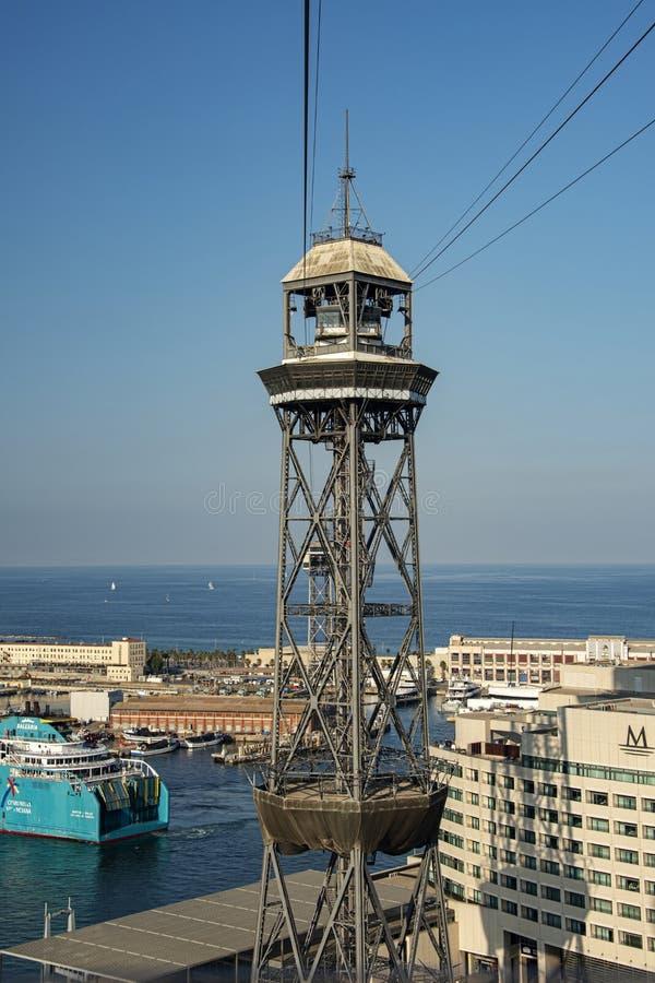 电车塔巴塞罗那港口 免版税库存图片