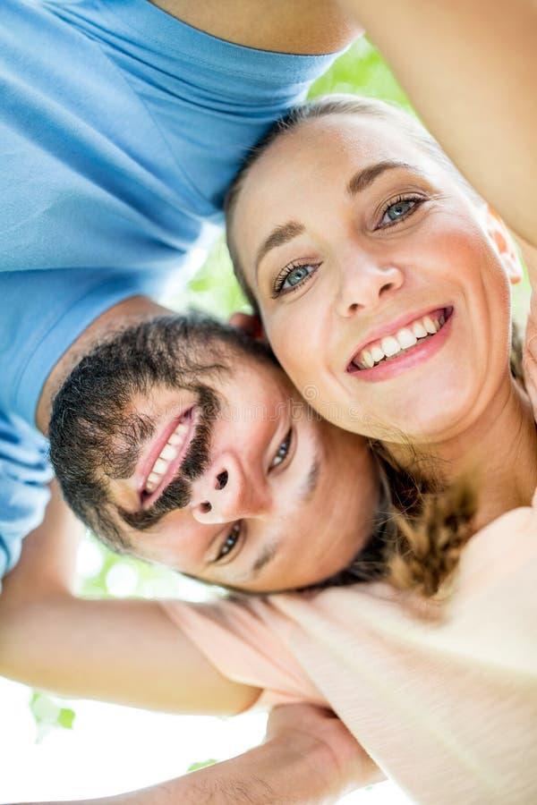 男人和妇女作为愉快的夫妇 免版税库存图片