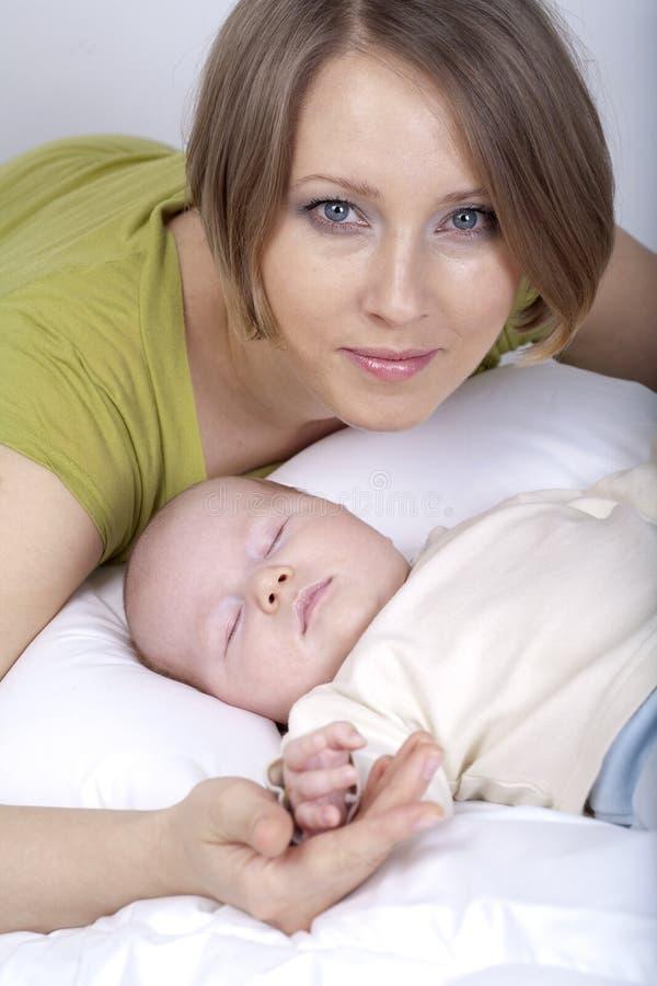男婴小妈妈 免版税库存照片