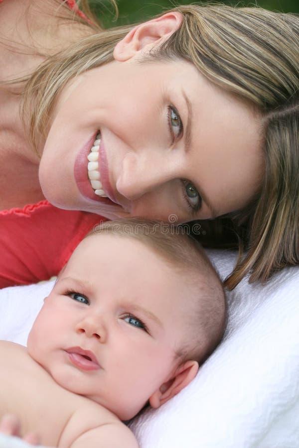男婴系列母亲 库存照片