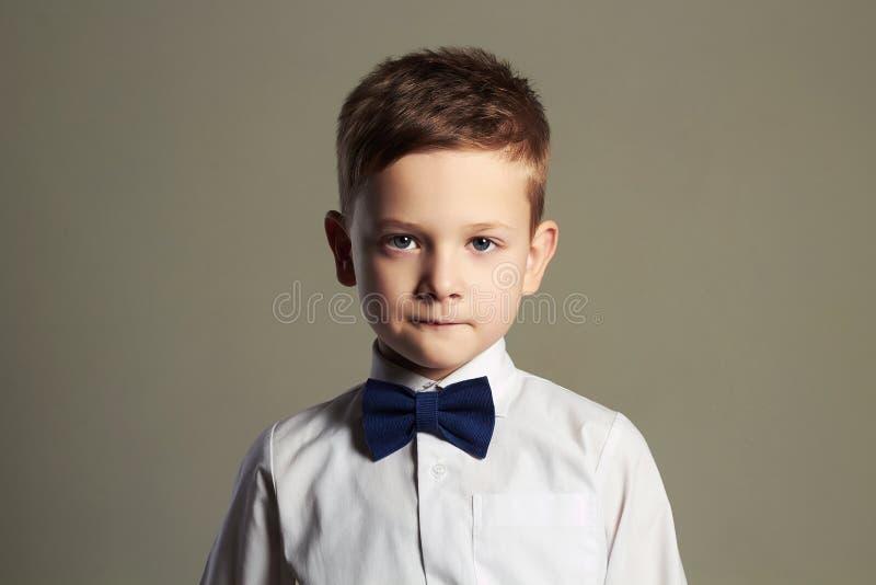 男孩一点 领带的孩子 孩子 图库摄影