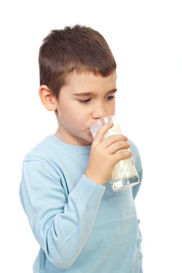 男孩儿童饮用奶 免版税库存图片