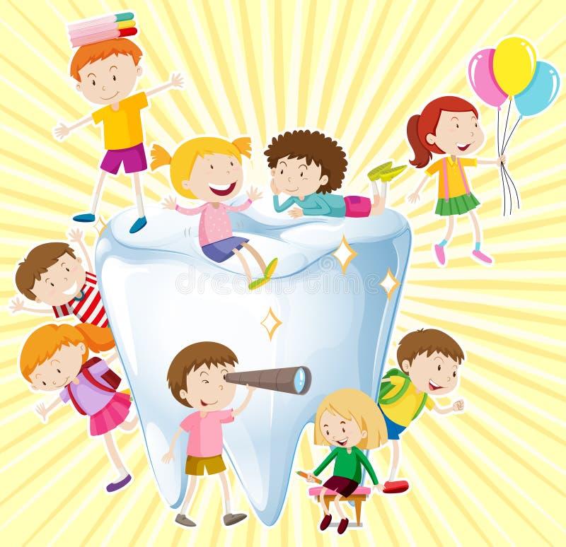 男孩和女孩有干净的牙的 皇族释放例证
