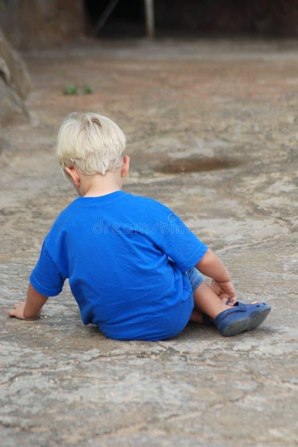男孩哀伤的一点 库存图片