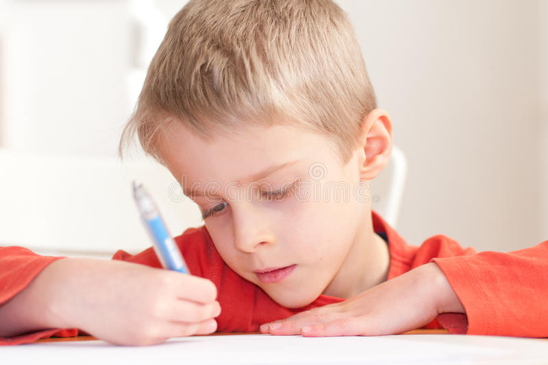 男孩图画照片幼稚园 免版税图库摄影