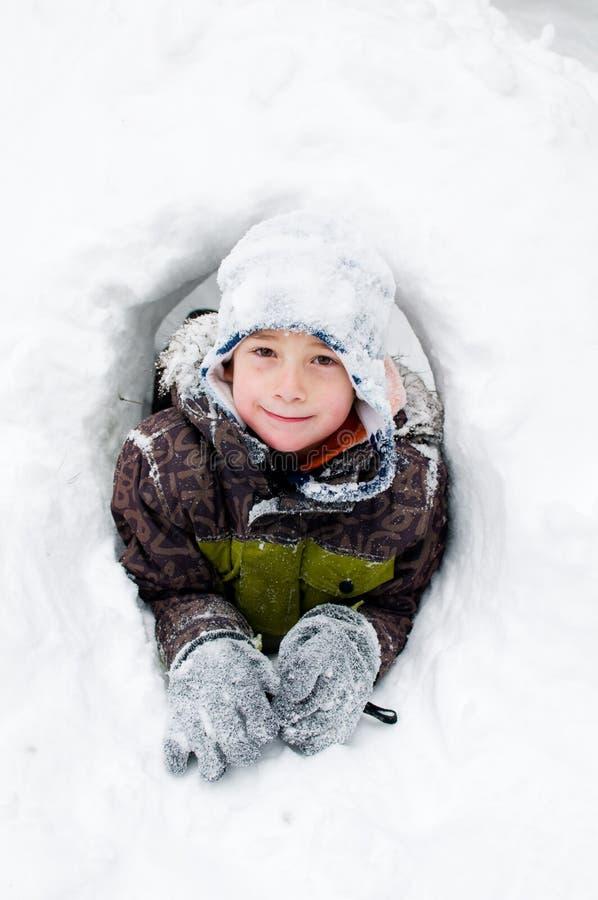 男孩堡垒少许雪 库存图片
