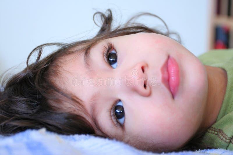 男孩平静的甜小孩 免版税库存图片