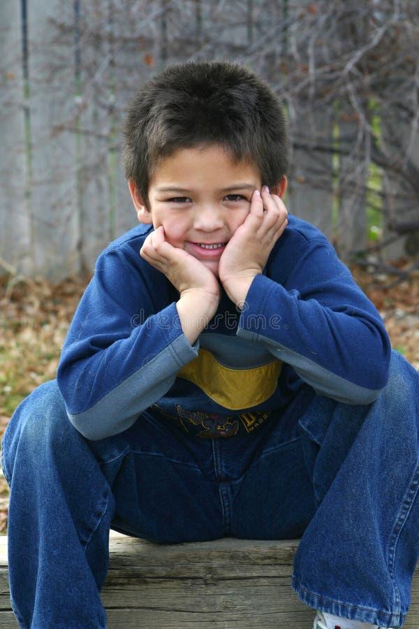 男孩微笑年轻人 免版税库存图片
