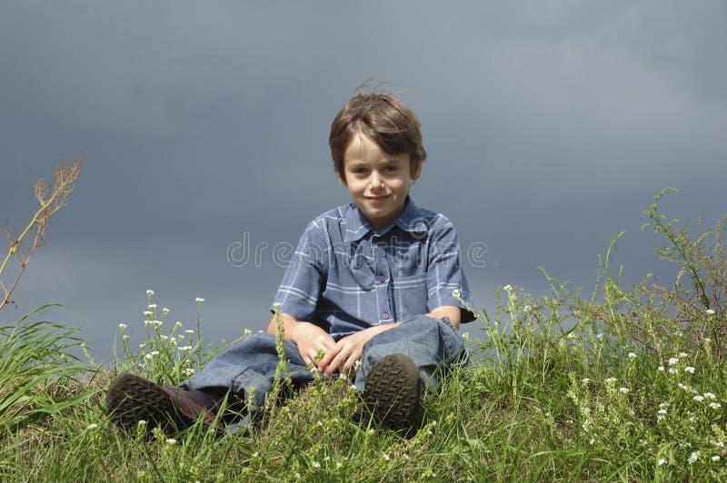 男孩微笑的年轻人 免版税图库摄影