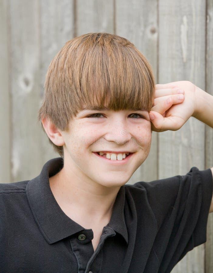 男孩微笑 图库摄影