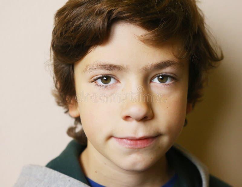 男孩接近的面孔画象 图库摄影