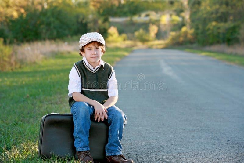 男孩旅行 免版税库存图片