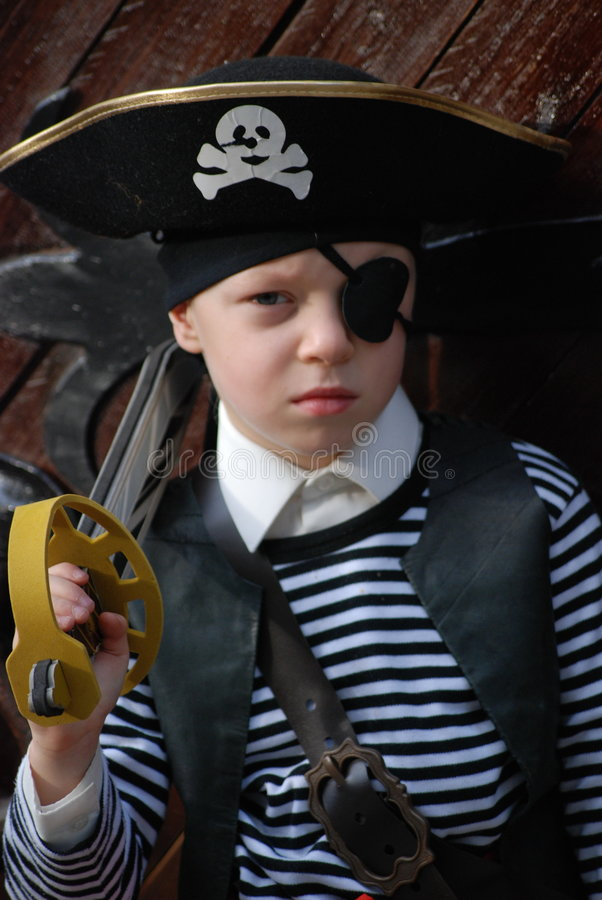 男孩服装海盗佩带 图库摄影