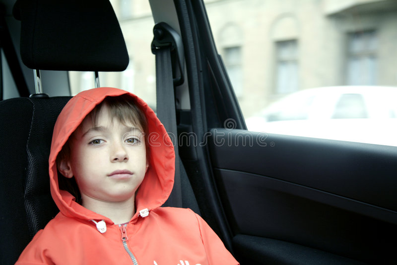 男孩汽车 库存照片