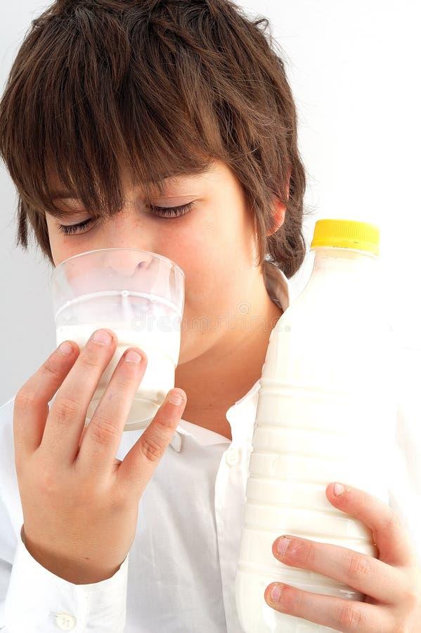 男孩牛奶 图库摄影
