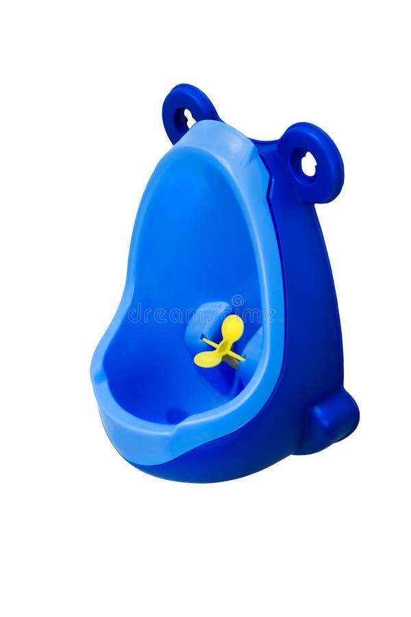 男孩的滑稽的婴孩尿壶 入屋行窃 撒尿站起来 在空白背景查出的对象 库存照片